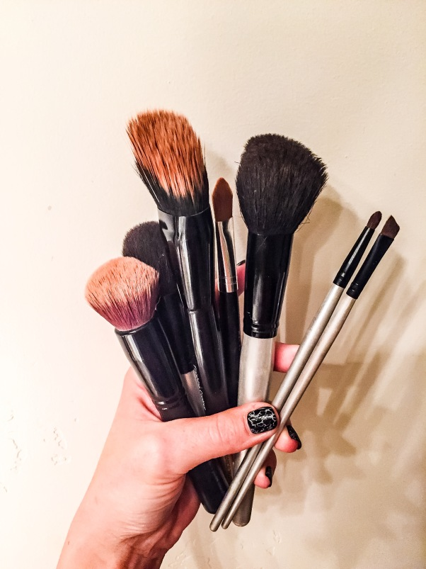 7b550fe7b72 How to clean makeup brushes properly and have them dry over night. Pin now