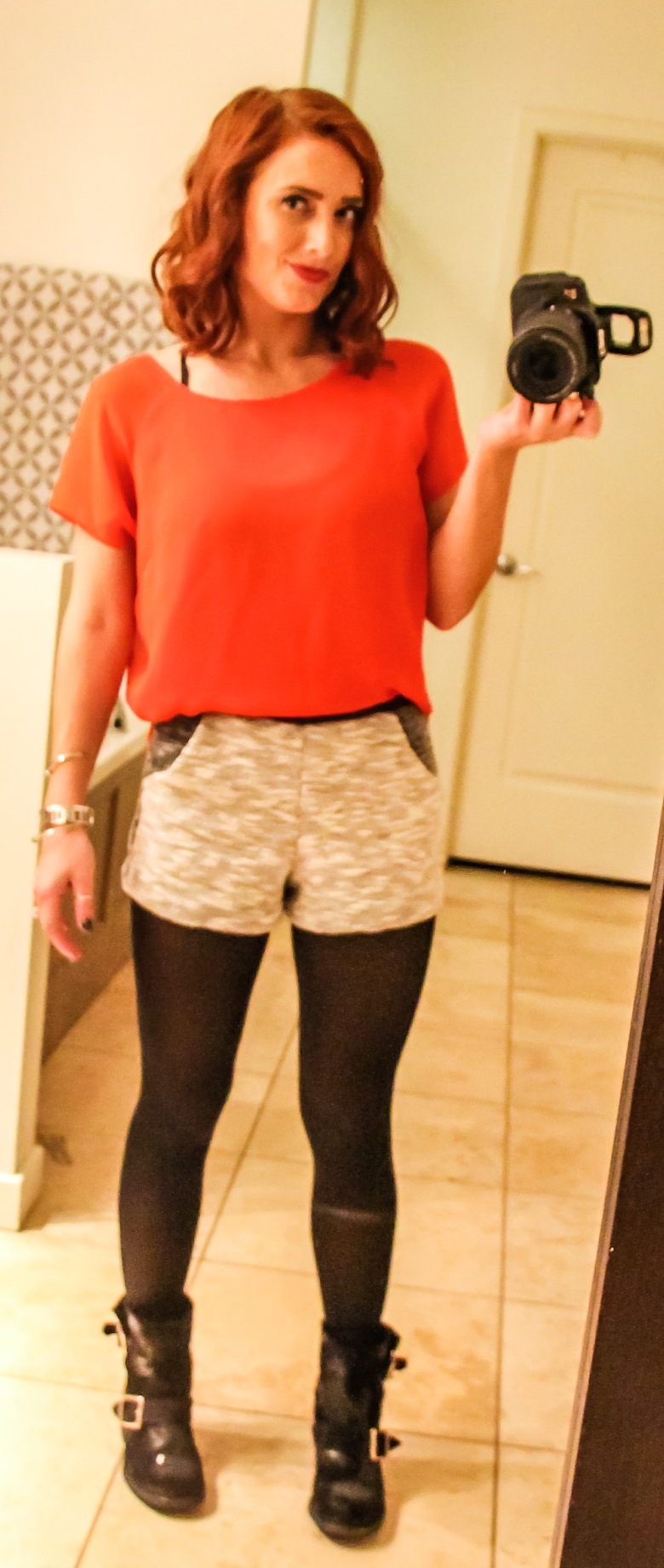 This pop of color also does the same as the white top. The contrasting colors cause the eye to divide each section and notice the length of each individually. Don't worry though, I'll demonstrate great ways to wear color in the future, but with the black tights, a black shirt is probably going to be the best option.