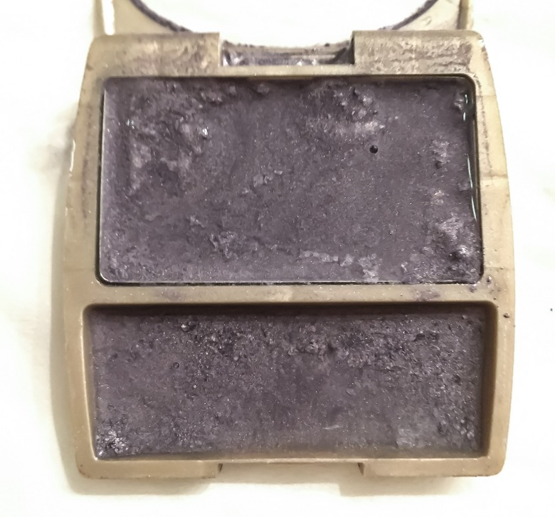 Restore broken compact powder with this easy trick.